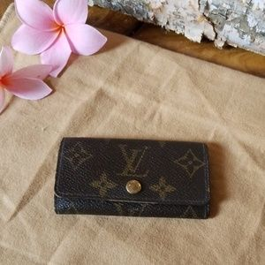 Authentic Louis Vuitton key holder